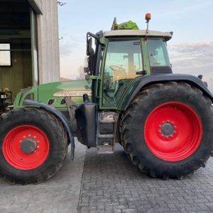 Trattore Fendt 820 v